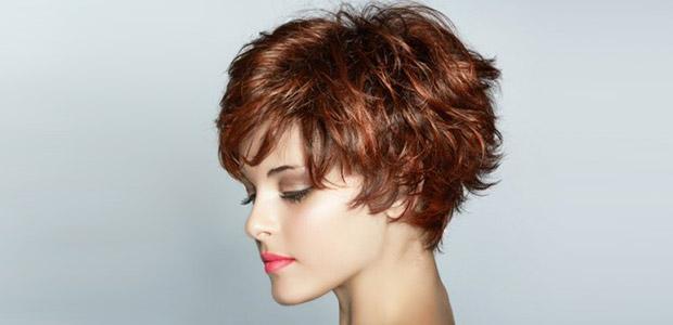 Короткие-стрижки-для-вьющихся-волос