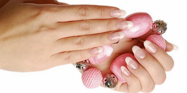 почему слоятся ногти наруках