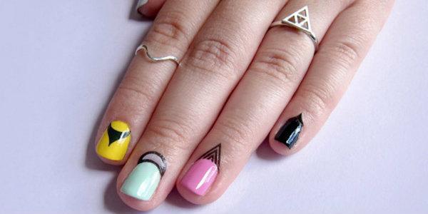 Наклейки и переводные картинки для ногтей
