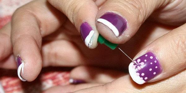 сделать рисунки на ногтях иголкой