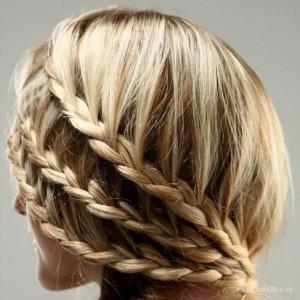 плетения кос на средние волосы