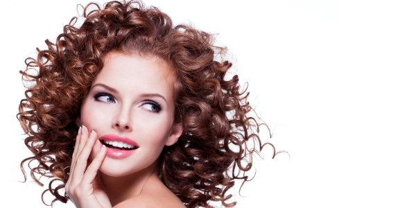 сделать крупные  красивые кудри на короткие  волосы