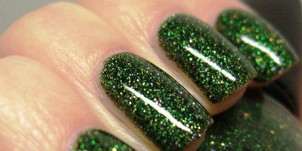 сделать новогодний  праздничный  маникюр на  короткие ногти