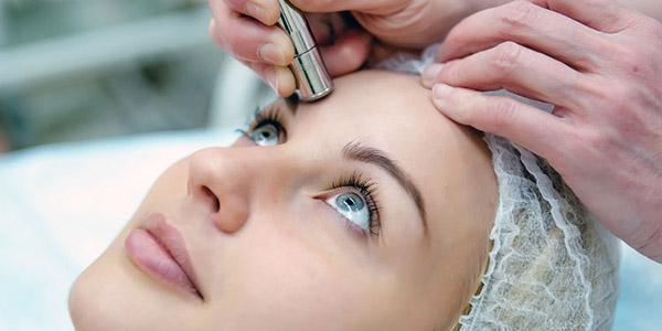 Как убрать шрамы от угрей на лице