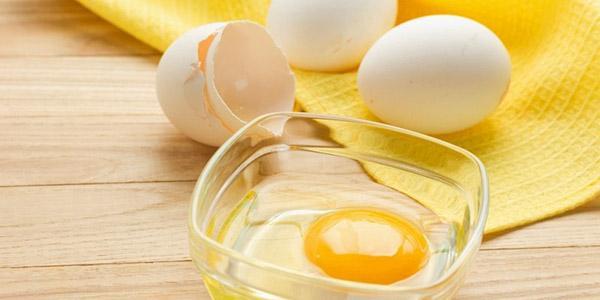 Желток яйца для маски