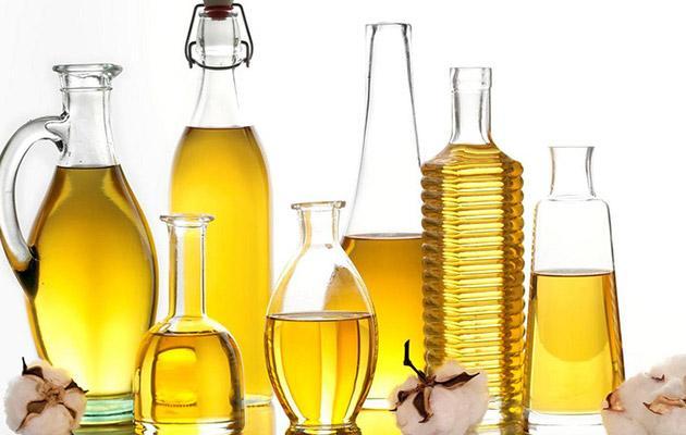 Как улучшить кожу лица при помощи касторового масла?