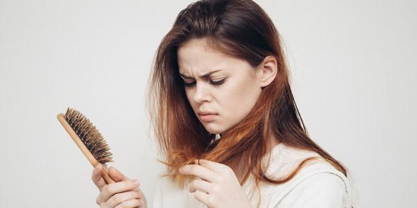 """Можно ли красить волосы краской при грудном вскармливании (лактации): все """"за"""" и """"против"""""""
