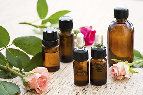 Излечись от недугов с помощью ароматерапии эфирными маслами и удобной таблицы их смешивания