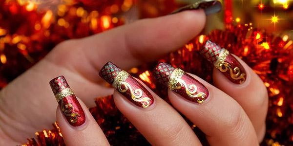 Дизайн ногтей красный с золотом