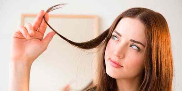 Красим волосы в домашних условиях: правила и тонкости процедуры