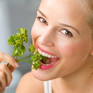 Лучшие витамины для волос: домашние рецепты и аптечные комплексы