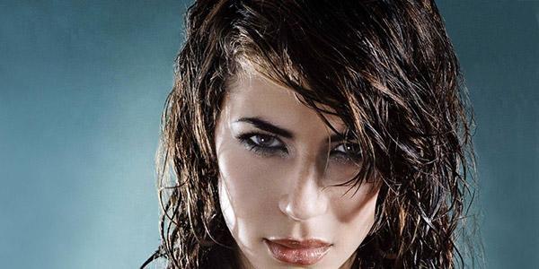 mokraya-pricheska-na-dlinny-e-volosy- Прически на средние волосы: 100 фото самых стильных укладок