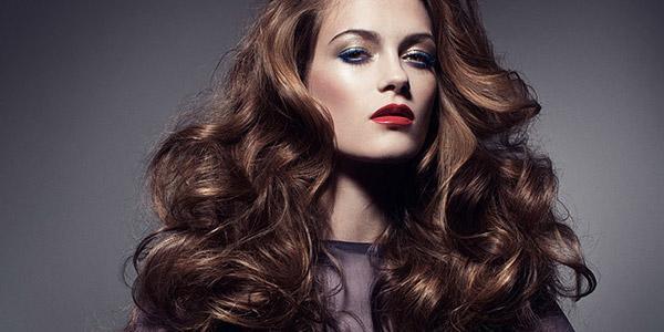 Как завить волосы утюжком: пошаговое руководство
