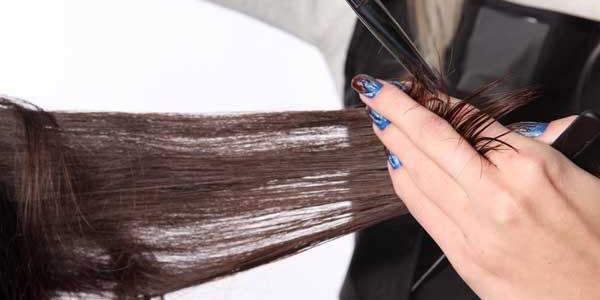strizhka-lesenka-na-dlinny-e-volosy- Прически на средние волосы: 100 фото самых стильных укладок