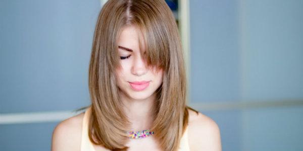 Стрижки для волос средней длины, вьющиеся волосы, тонкие волосы, каре, боб, каскад