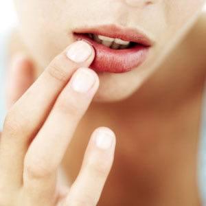 Скраб для губ в домашних условиях: лучшие рецепты