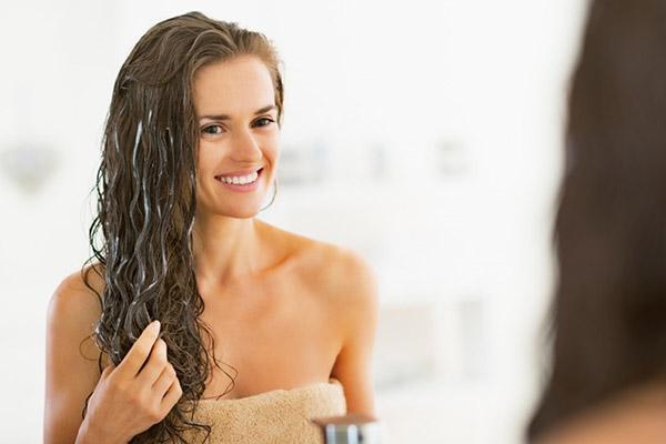 Избавиться от андрогенной алопеции у женщин поможет комплексное лечение